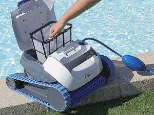Pourquoi utiliser un aspirateur piscine
